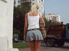 大きな胸の女の子facializedによってマッサージ師 h 女性 動画