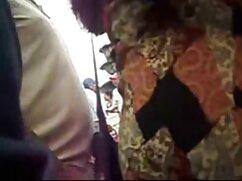 マスキングテープを持つ女性をガスケット、お尻におもちゃで満たされた 女子 向け エッチ な 動画