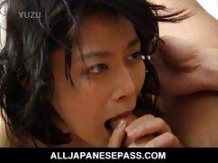 女の子の胸は彼女の乳首をいじめるために欲情しています 女の子 向け の エッチ な 動画