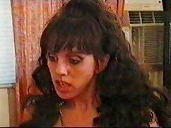 茶色の髪の女の子は彼女の髪を短く切り、その後、彼女の膣の入れ墨は裸でリボンカーリングで通りを歩いています 女の子 向け エッチ な 動画