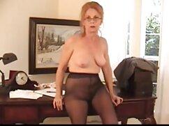 男は密かにジーンズの女の子から足を取り除く エッチ 無料 動画 女性