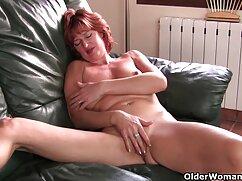 ジュリアのプール裸の胸 胸 キュン エッチ 動画