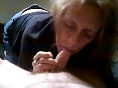 マーシャは熟練した指で膣に触れる 女性 が 見 たい エッチ な 動画